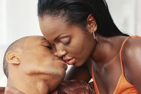 Black-couple-kissing-2