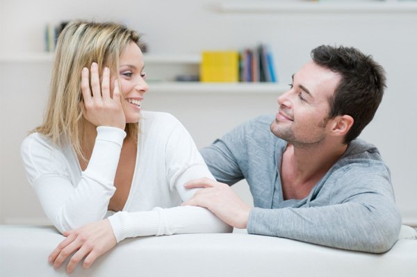couple talking893